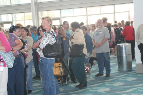 Long Beach International Quilt Festival 2010--The throngs are waiting!